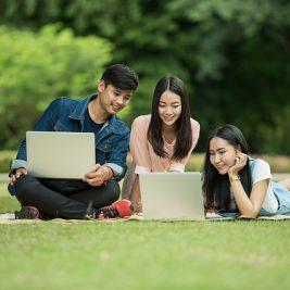 Universita come bilanciare lo studio e la vita sociale universitari
