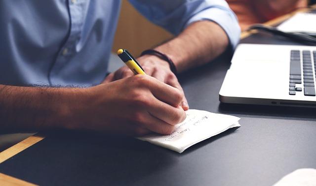 Scrivere 750 parole ogni giorno – Un'iniziativa creativa per il tuo benessere
